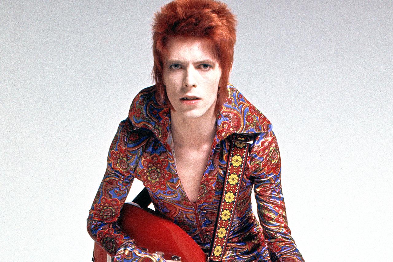 Lanzan estampillas al espacio en homenaje a David Bowie