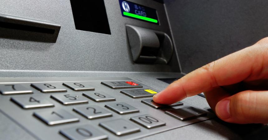 Así clonan las tarjetas de crédito en los cajeros automáticos en Chile