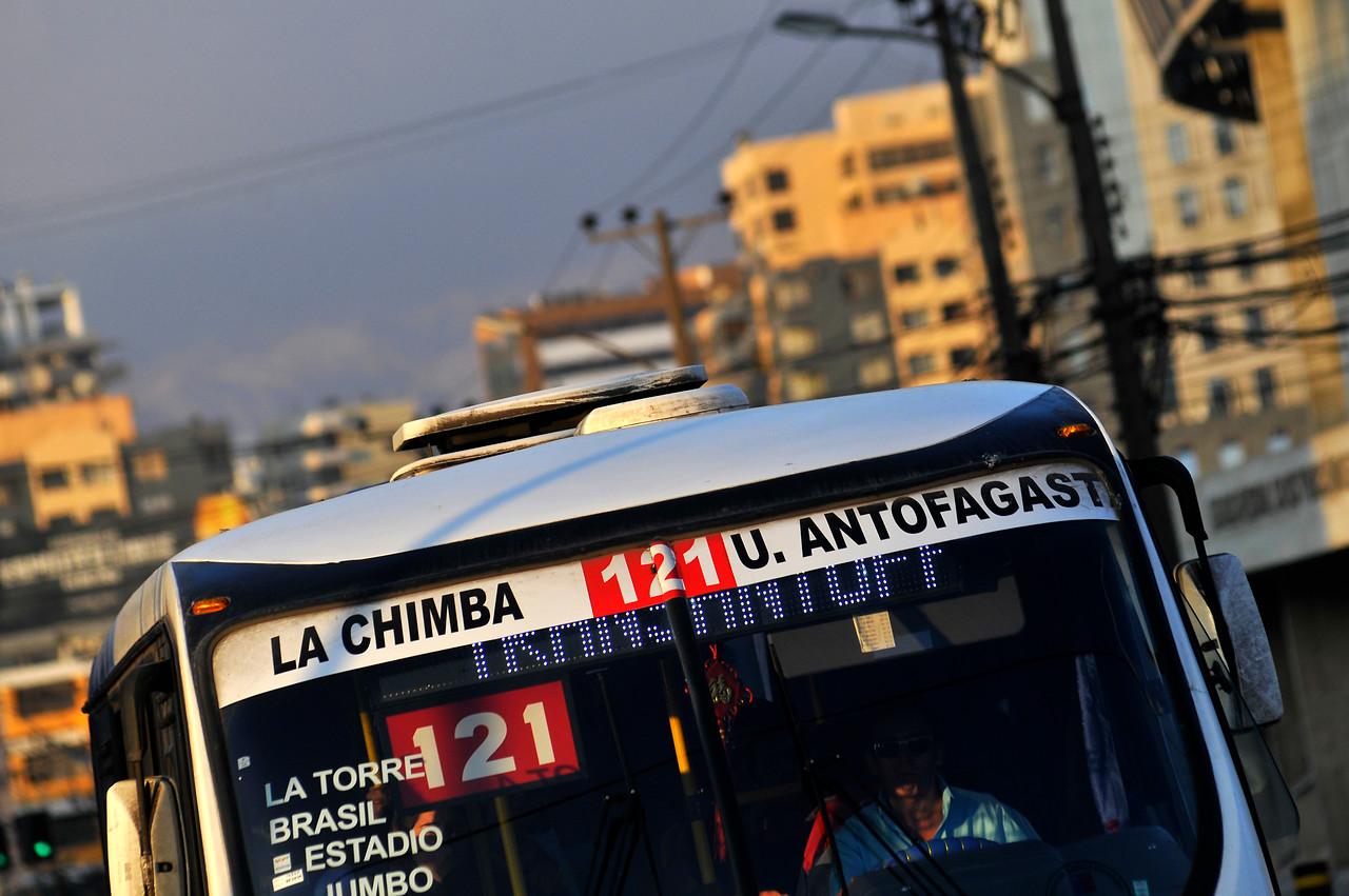 Micro de Antofagasta tuvo que remover indignante sticker que se ...