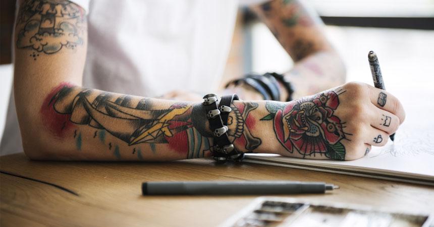 Así Es Como Se Van Destiñendo Los Tatuajes Con El Paso De Los Años