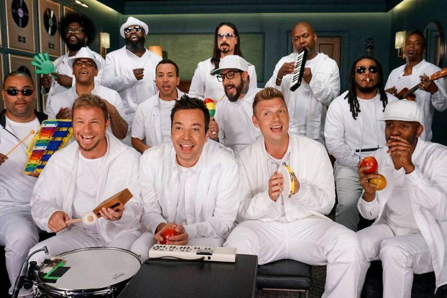 The-Backstreet-Boys-and-Jimmy-Fallon-900x600