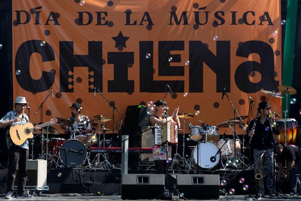 Más de 40 artistas se presentarán gratis en el Día de la Música Chilena e9822ab66e4