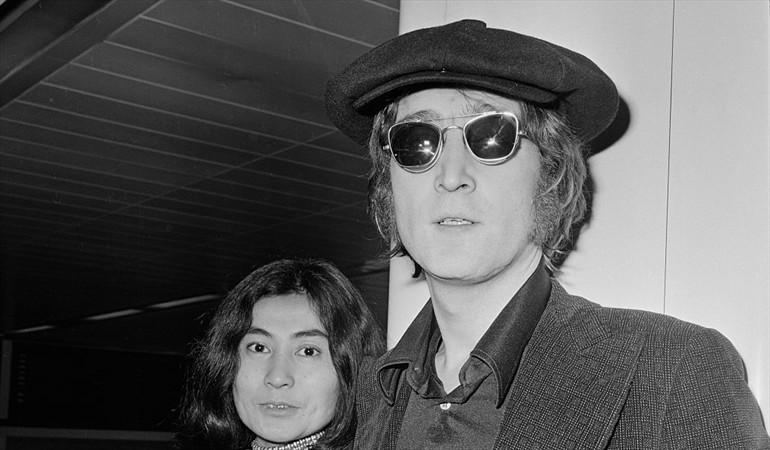 El asesino de John Lennon dice ahora arrepentirse de haberle disparado