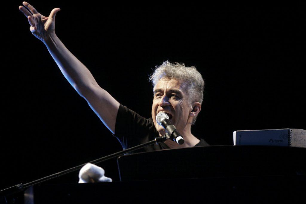 Jorge González celebra su cumpleaños con emisión de histórico concierto