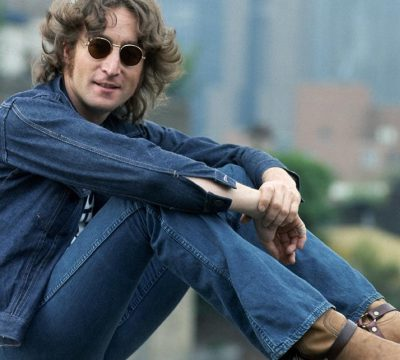 john lennon polera on stage