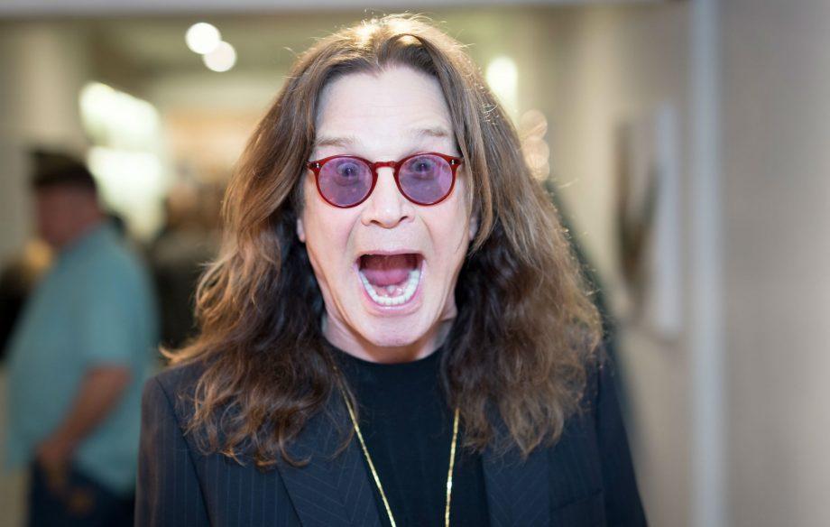 Ozzy Osbourne lanza un murciélago de peluche para coleccionistas