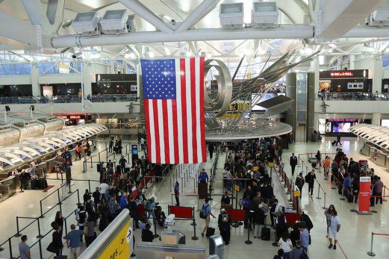Aumenta requisitos para solicitantes de visas: nombre de usuario en redes sociales