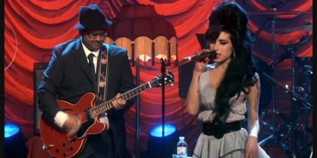 guitarrista amy winehouse