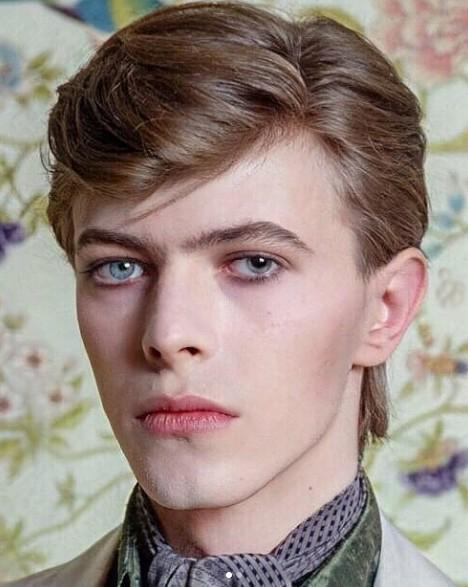 Revelan cómo lucirá actor que encarnará a David Bowie — Juzgue usted