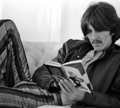 George Harrison: Subastan manuscrito de While My Guitar Gently Weeps