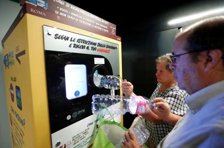metro reciclaje botellas roma