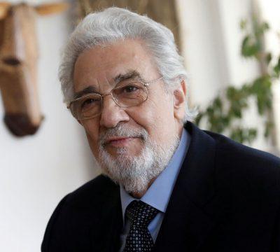 Plácido Domingo admite haber acosado sexualmente a mujeres