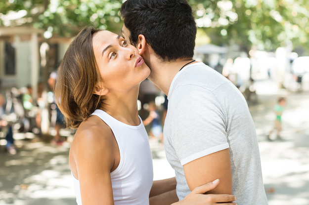 saludar de beso en la cara