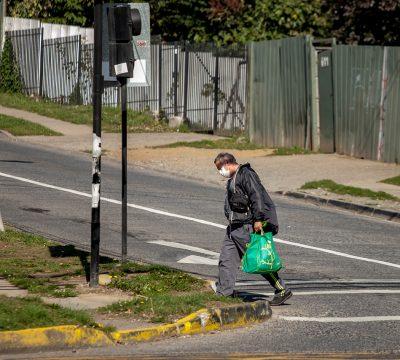 Informe de Google revela que los chilenos van un 73% menos al comercio