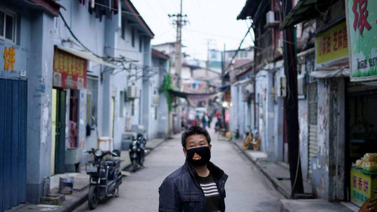China lleva un día sin nuevos contagios de covid-19 ni fallecidos