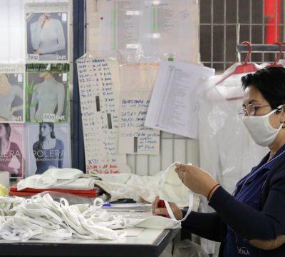Monarch se reinventa y fabrica mascarillas con bamboo y cobre / FRANCISCO CASTILLO /AGENCIAUNO