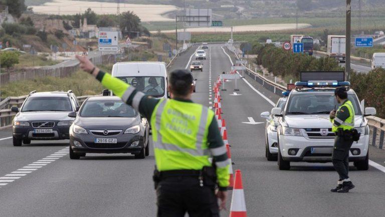 persecusion de auto ren carretera