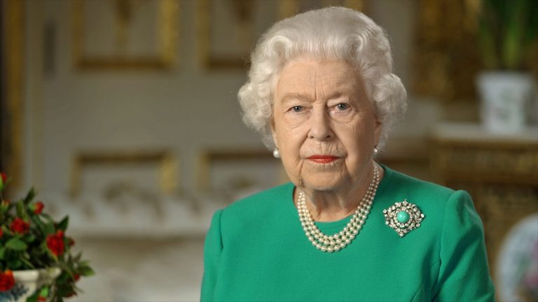 La Reina Isabel II dio un discurso televisado debido al covid-19