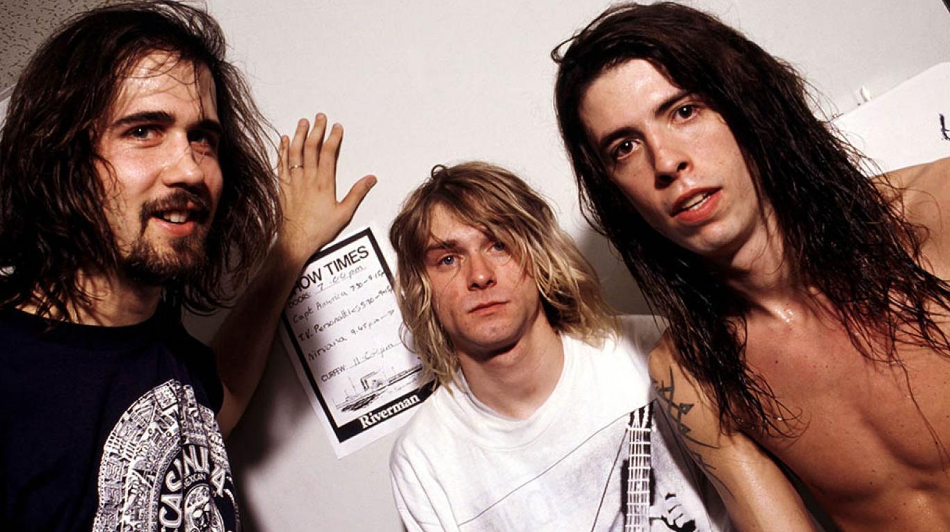 """Dave Grohl reveló que escribir canciones para Foo Fighters fue su """"exorcismo"""" tras muerte de Kurt Cobain"""