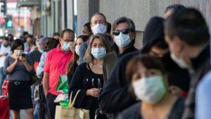 Chilenos en confinamiento por pandemia del Covid y cuarentena