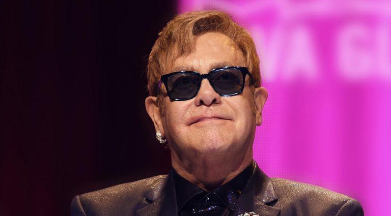 Elton John celebrará su aniversario número 50 con más de 60 pistas inéditas