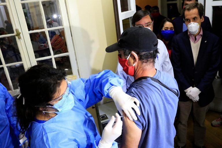 Empresas farmacéuticas se comprometen a que la vacuna contre el covid-19 sea segura y eficaz