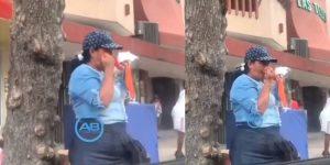 mujer mascarilla colombia