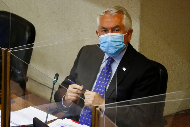 Paris se reunirá con Piñera para determinar nuevas restricciones a la movilidad