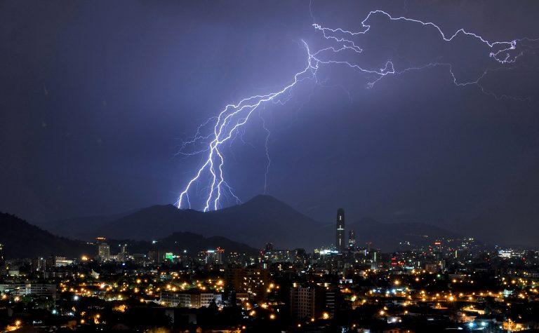 tormenta eléctrica lluvia