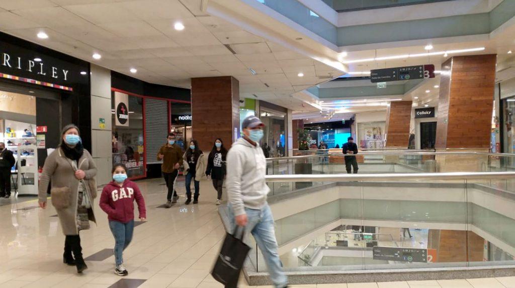 Malls Concepcion Cuarentena camas vacunaciones