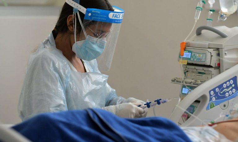 tercera ola de coronavirus pandemia crisis sanitaria covid-19 virologa expertos variante delta cuales son de donde vienen como llegaron chile pais comunas minsal cambios plan paso a paso ministerio de salud