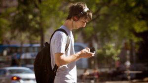 música por streaming contamina
