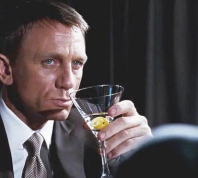 Daniel Craig bares gay