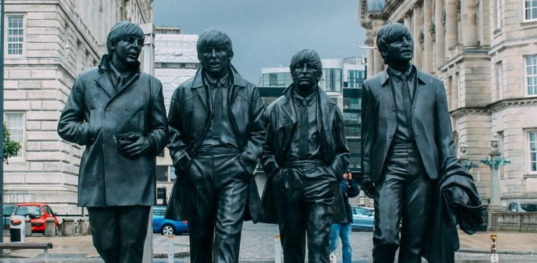 Beatles,statue,MA,banner